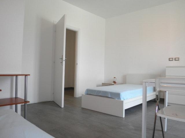 Affitto stanza singola per lavoratori e studenti milano for Case arredate affitto milano